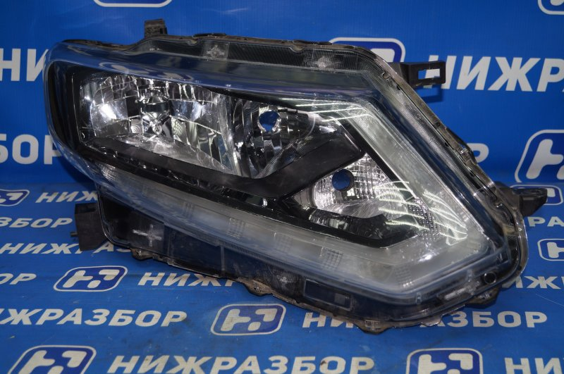 Фара Nissan X-Trail T32 2014> правая (б/у)
