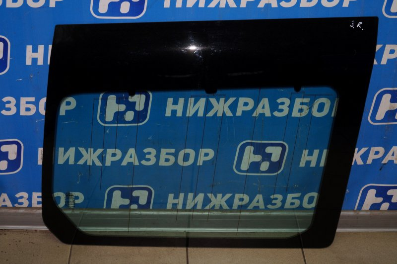 Стекло кузовное глухое Land Rover Discovery 3 L319 2.7 TDI (276DT) 2008 заднее правое (б/у)