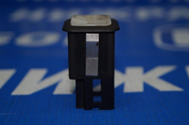 Кнопка открывания багажника Land Rover Discovery 3 L319 2.7 TDI (276DT) 2008 (б/у)