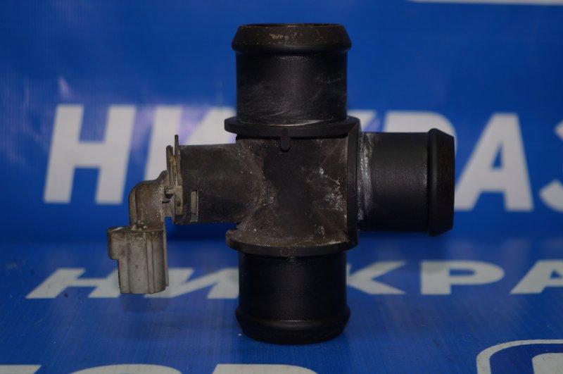 Тройник системы охлаждения Land Rover Discovery 3 L319 2.7 TDI (276DT) 2008 (б/у)