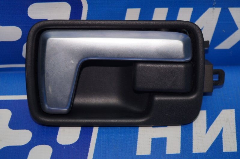 Ручка двери внутренняя Land Rover Discovery 3 L319 2.7 TDI (276DT) 2008 задняя левая (б/у)