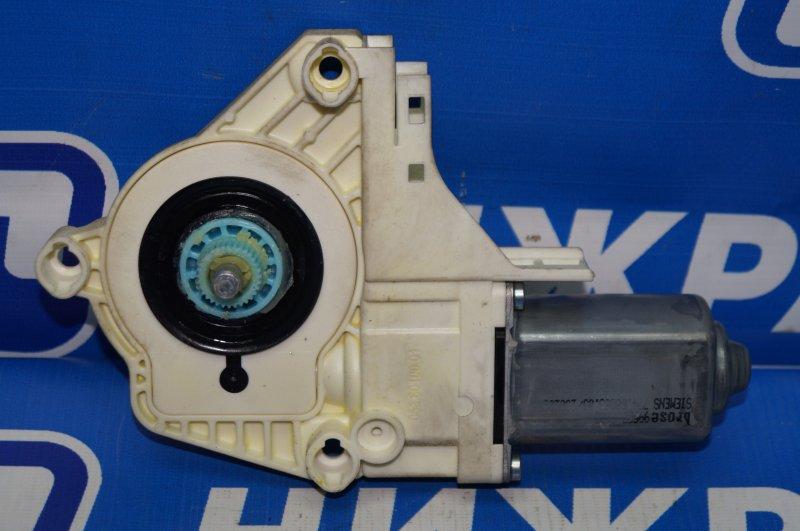 Моторчик стеклоподъемника Land Rover Discovery 3 L319 2.7 TDI (276DT) 2008 задний правый (б/у)