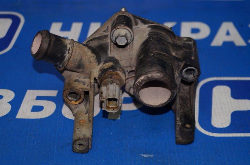 Фланец двигателя системы охлаждения Ford Fiesta 2001 (б/у)