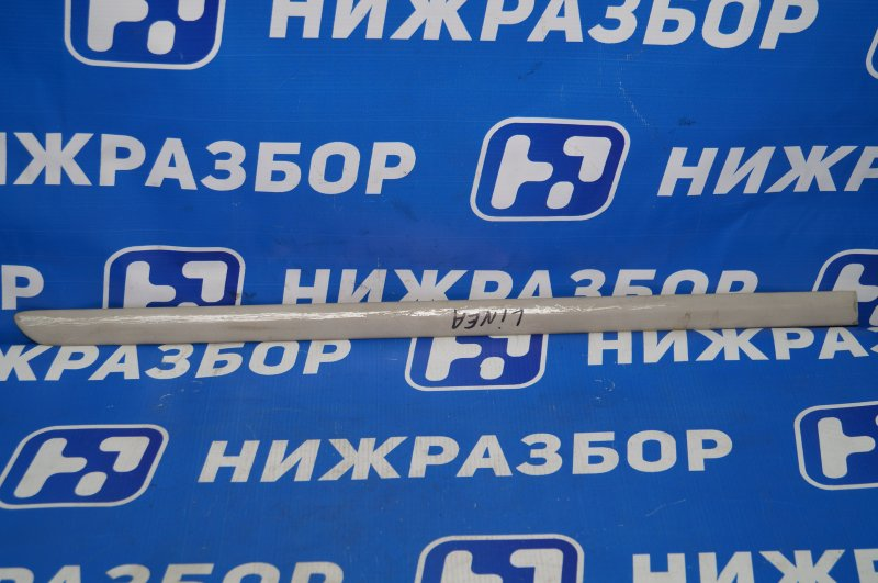 Молдинг двери Fiat Linea 1.4T 198A4000 2010 задний правый (б/у)
