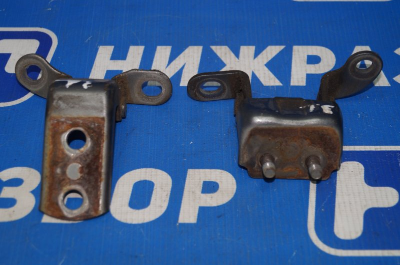 Петля двери Geely Mk 1.5 MR479QA 2011 задняя левая (б/у)