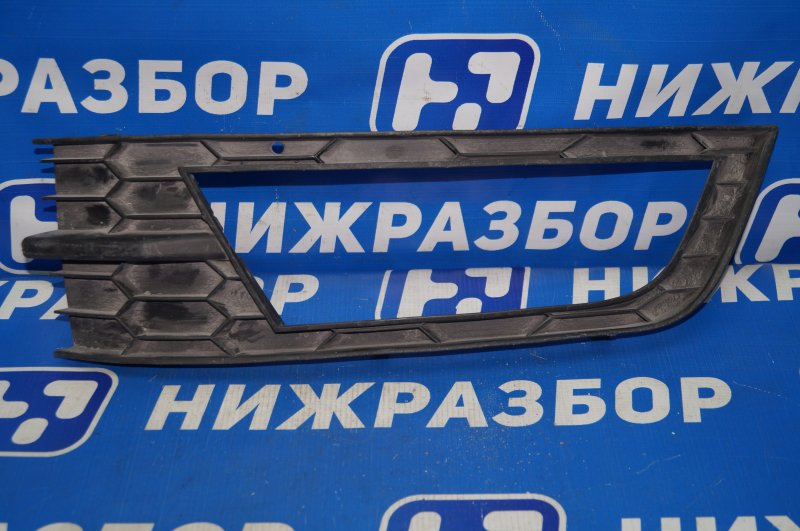 Рамка противотуманой фары Skoda Octavia A7 2013> передняя левая (б/у)