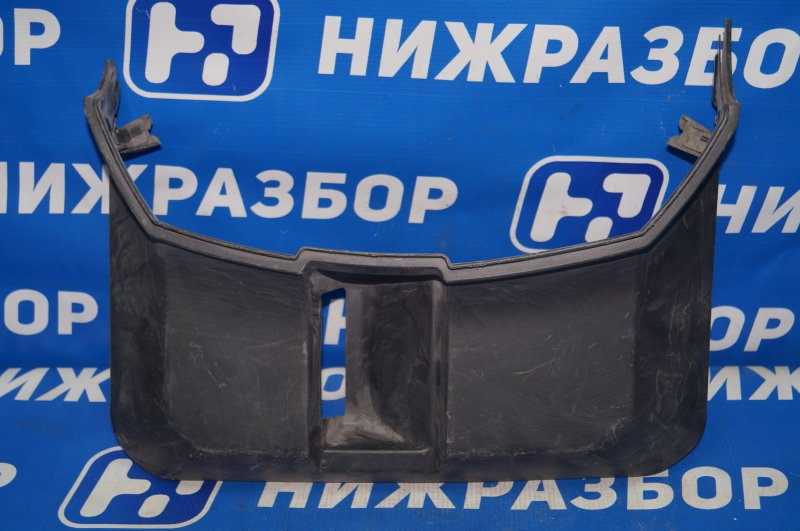 Накладка двери багажника Mitsubishi Pajero 4 V8 2007> левая (б/у)