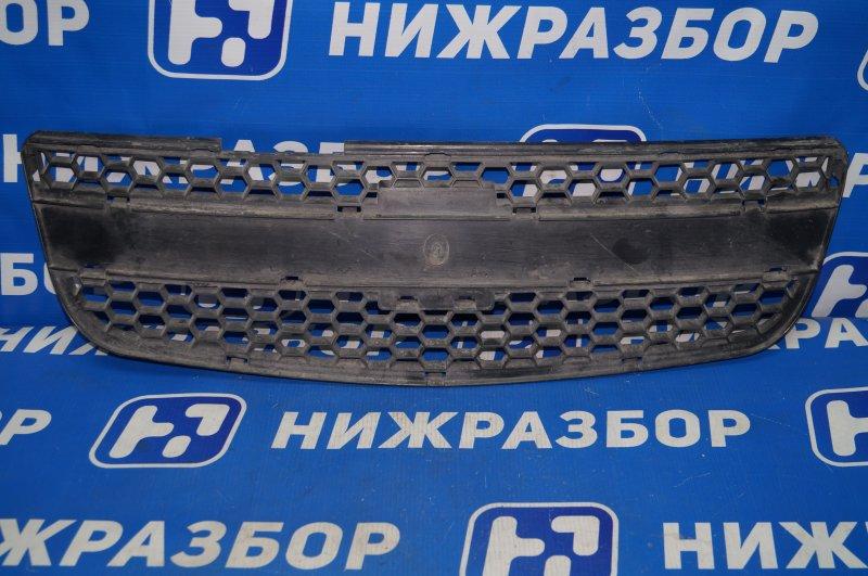 Решетка радиатора Chevrolet Niva 2002> (б/у)