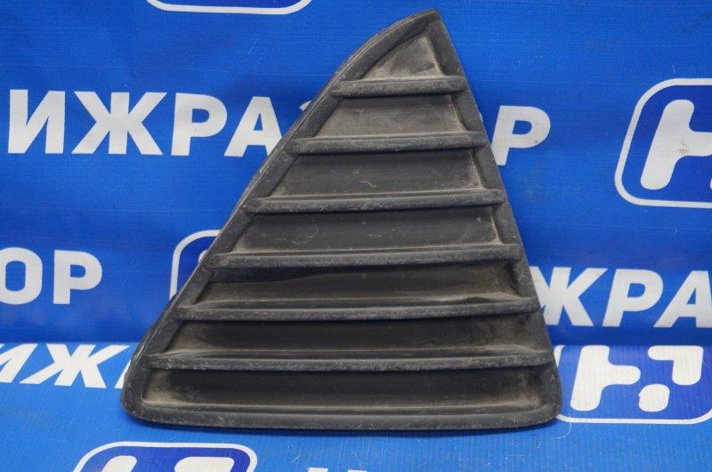 Решетка в бампер Ford Focus 3 2011 передняя правая (б/у)