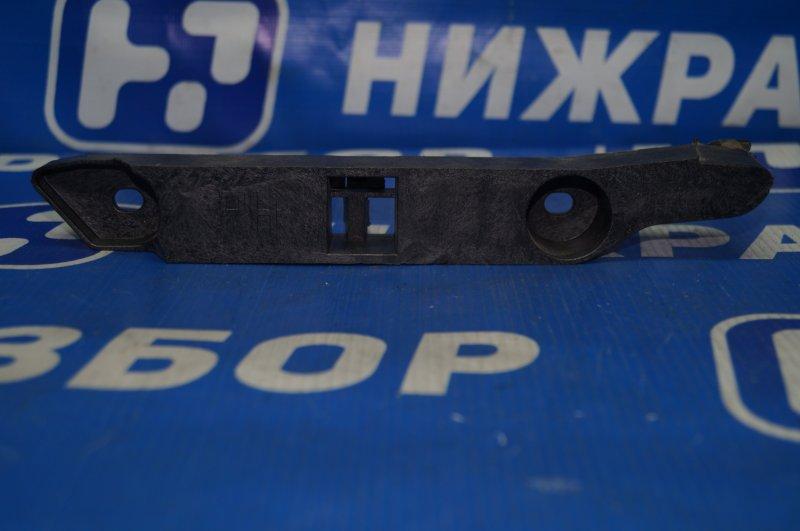 Направляющая бампера Ford Focus 2 2008 передняя правая (б/у)