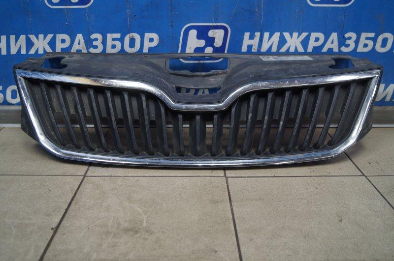 Решетка радиатора Skoda Rapid 2013 (б/у)