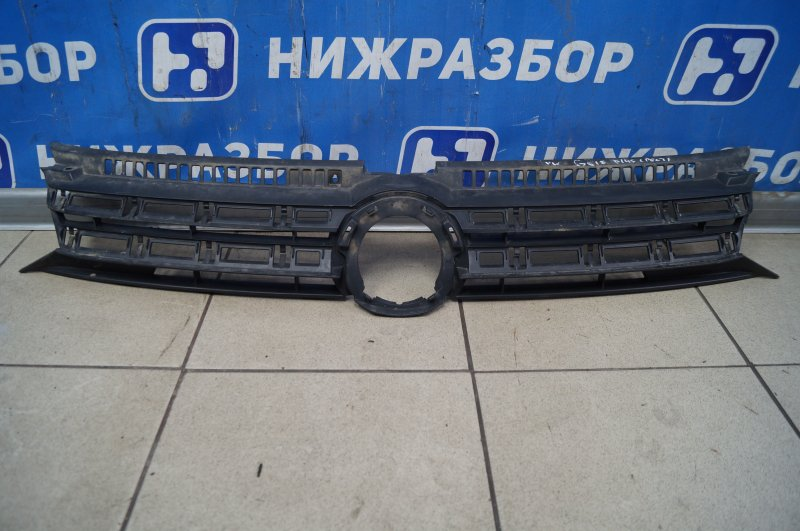 Решетка радиатора Volkswagen Golf Plus 2009 (б/у)