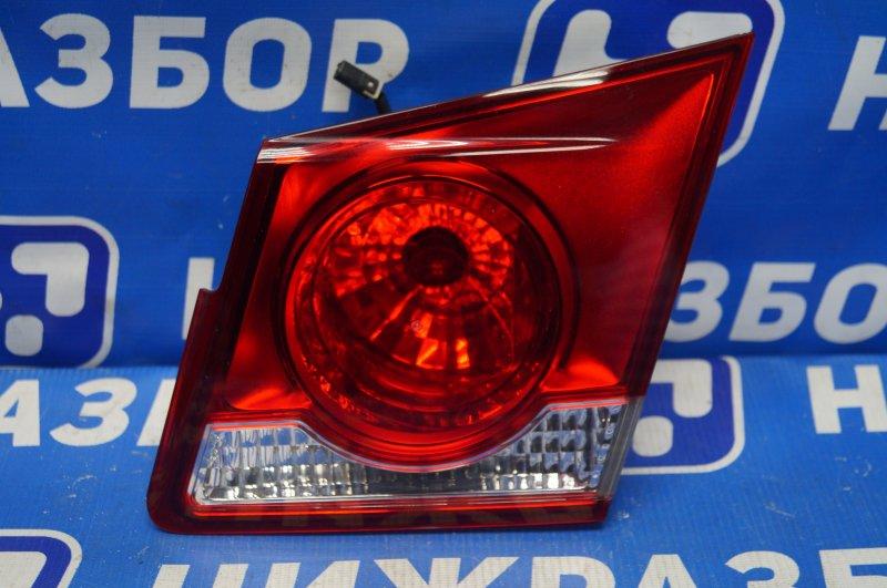 Фонарь внутренний Chevrolet Cruze J300 2009 задний правый (б/у)