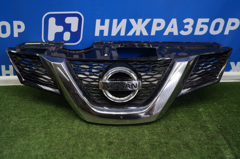 Решетка радиатора Nissan X-Trail T32 2014> (б/у)