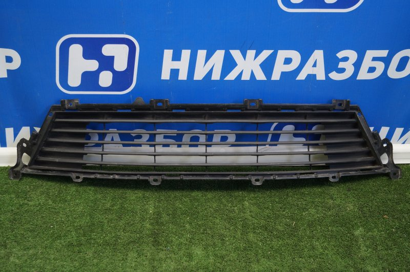 Решетка в бампер Lexus Es 2012 передняя (б/у)