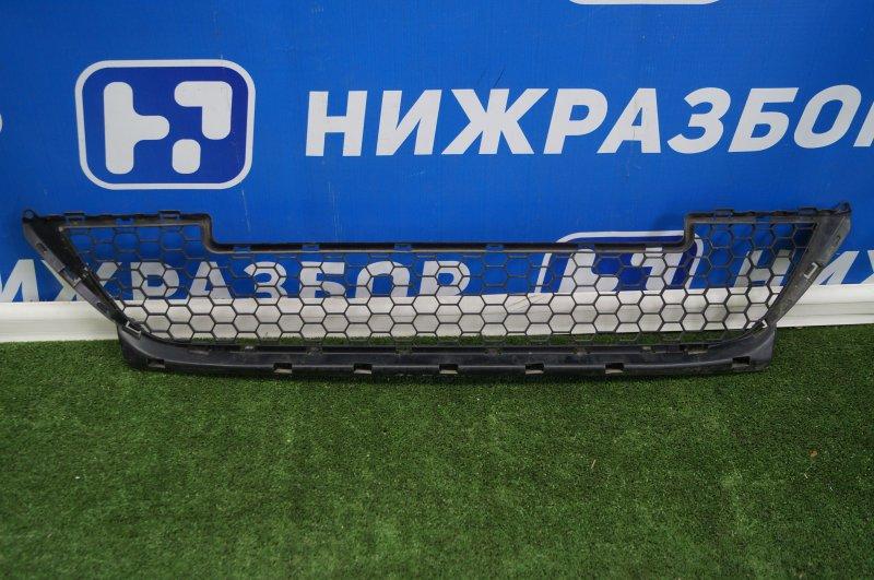 Решетка в бампер Lada Largus 2011> передняя нижняя (б/у)
