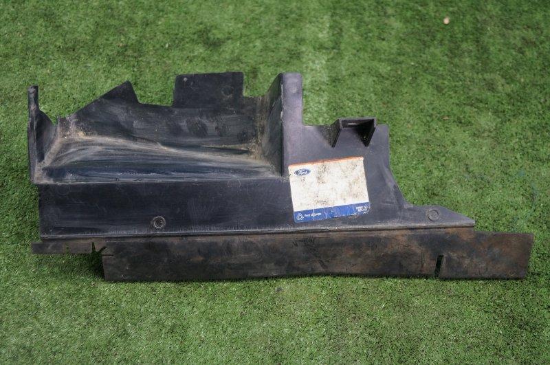 Пыльник двигателя Ford Focus 2 2005 правый (б/у)