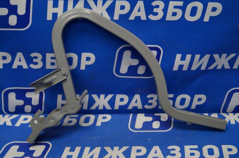 Петля крышки багажника Hyundai Solaris 1 2010 правая (б/у)