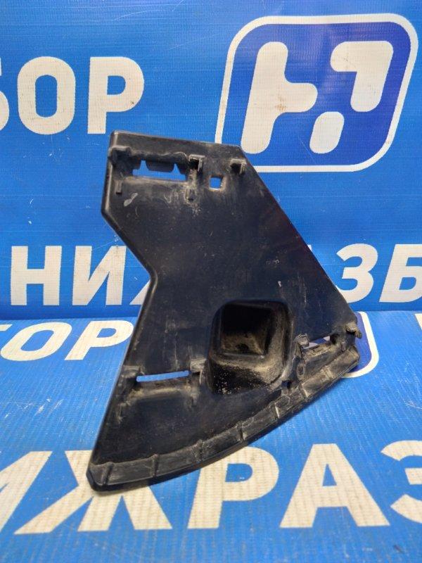 Кронштейн решетки радиатора Volkswagen Polo 6 правый (б/у)