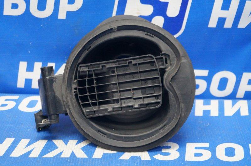 Ниша лючка бензобака Ford Focus 3 2011 (б/у)