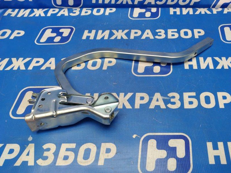 Петля крышки багажника Lada Granta задняя правая (б/у)