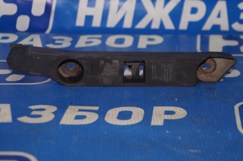 Направляющая бампера Ford Focus 2 2008 передняя левая (б/у)