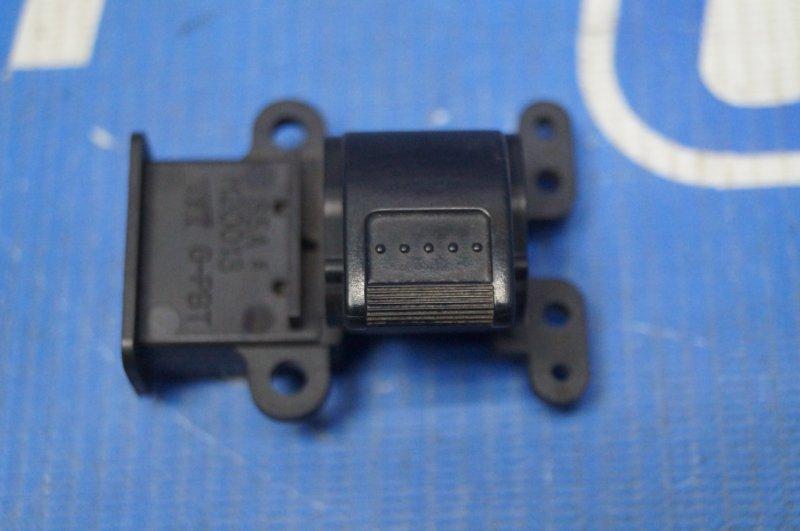 Кнопка стеклоподъемника Honda Cr-V 2 2.0 (K20A4) 1007182 2002 передняя правая (б/у)