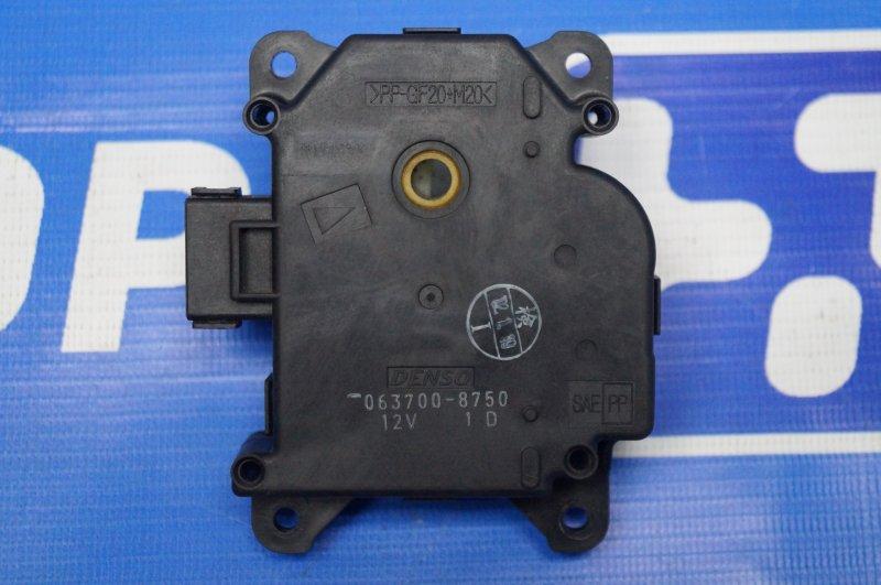 Моторчик заслонки печки Honda Cr-V 2 2.0 (K20A4) 1007182 2002 (б/у)
