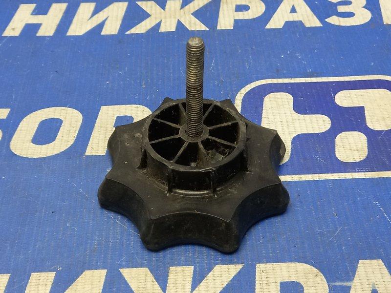 Болт крепления запасного колеса Skoda Rapid 2013 (б/у)