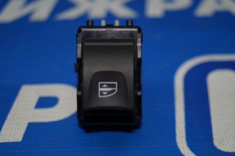 Кнопка стеклоподъемника Renault Kaptur 1.6 (H4M438) P098012 2019 передняя правая (б/у)