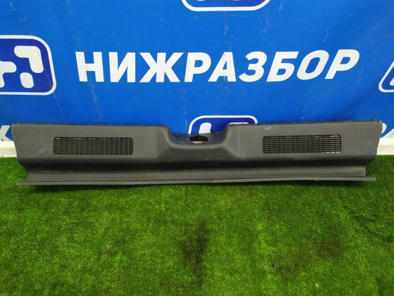 Накладка (кузов внутри) Lada Калина 1 задняя (б/у)