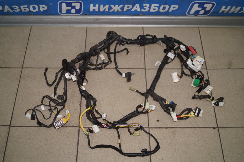 Проводка салонная Hyundai Solaris 1 2010 (б/у)