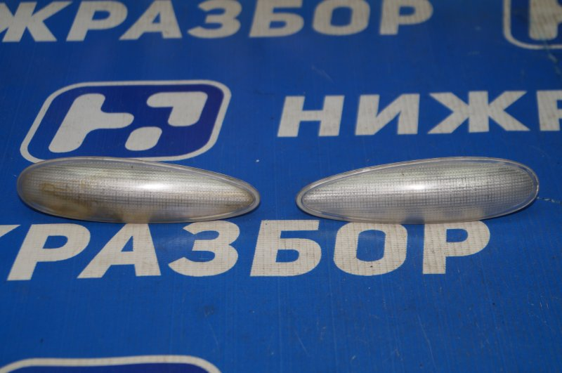 Повторитель на крыло Fiat Albea 1.4 (350A1000) 4594700 2008 (б/у)