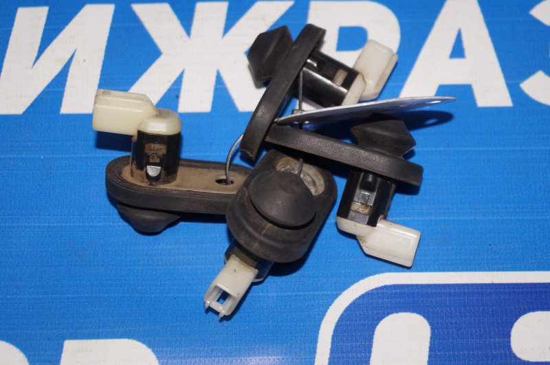 Выключатель концевой Mazda 6 GG 2002 (б/у)