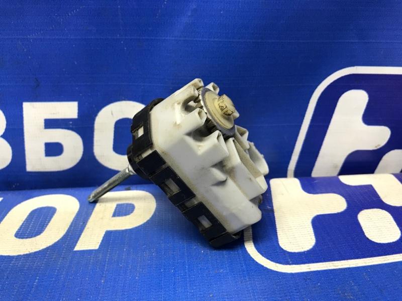 Моторчик корректора фары Toyota Rav 4 A40 передний (б/у)