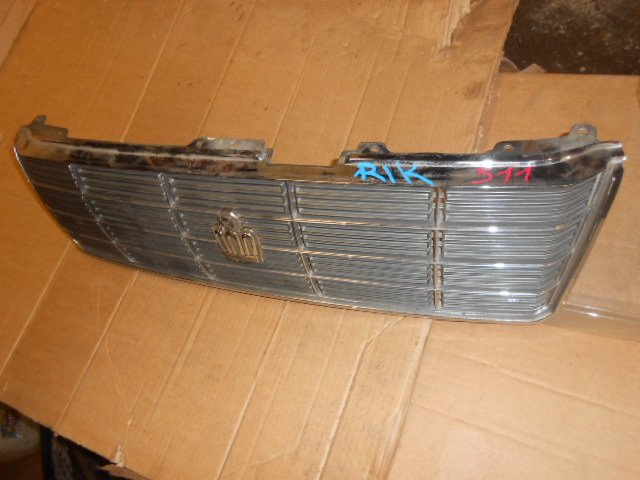 Решетка радиатора Toyota Crown GS151