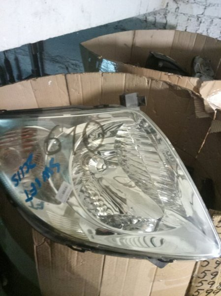 Фара Suzuki Swift ZC11S левая