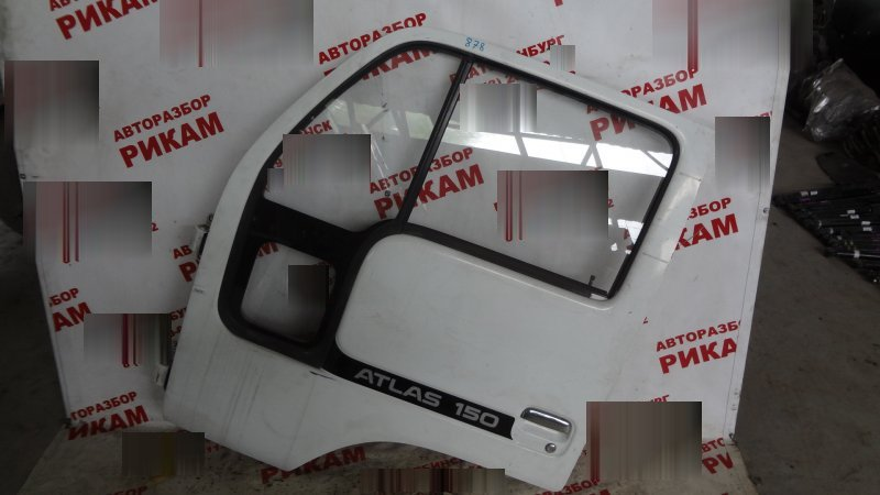 Дверь Nissan Atlas передняя левая