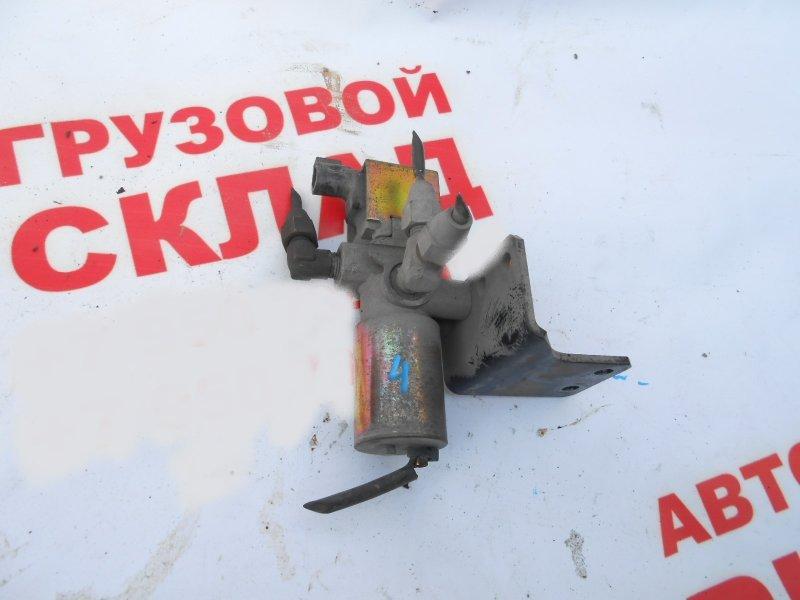 Пневмоклапан Isuzu Forward FRD90K3 4HK1-T 2005