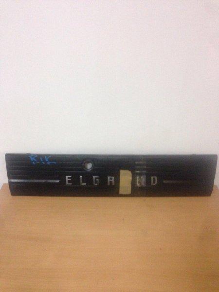 Вставка Nissan Elgrand ALE50