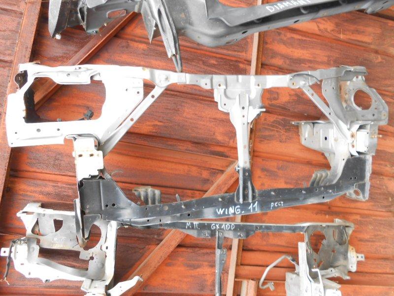 Рамка радиатора Nissan Wingroad Y11