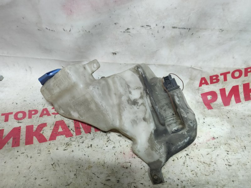 Бачок омывателя Audi A4 B5 8D5