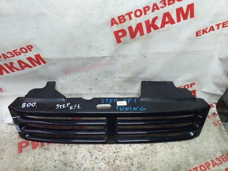 Решетка радиатора Honda Stepwgn RF1