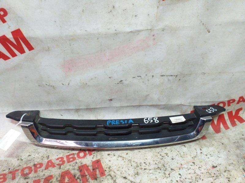 Решетка радиатора Nissan Presea R11
