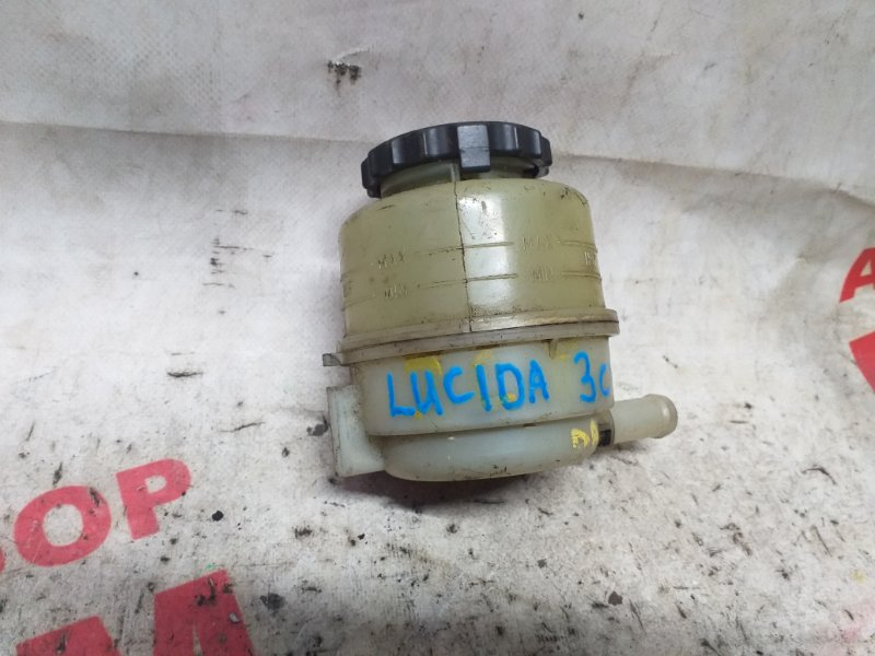 Бачок гура Toyota Estima Lucida CXR20