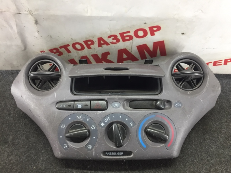 Блок климат-контроля Toyota Vitz
