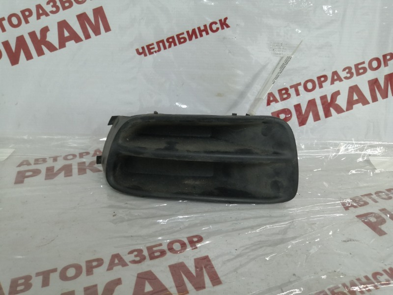 Заглушка бампера Nissan Serena PC24 SR20DE передняя левая