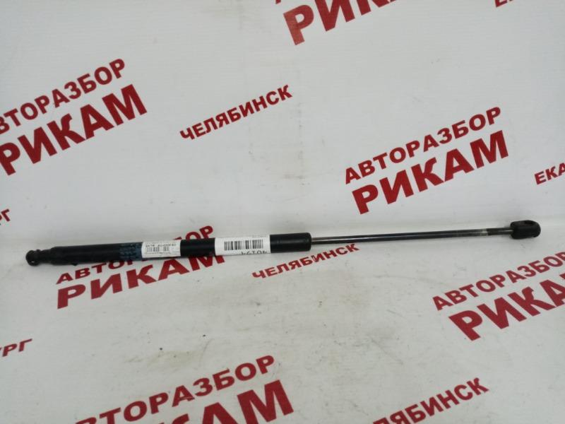 Амортизатор двери багажника Hyundai Tiburon GK G6BA 2004