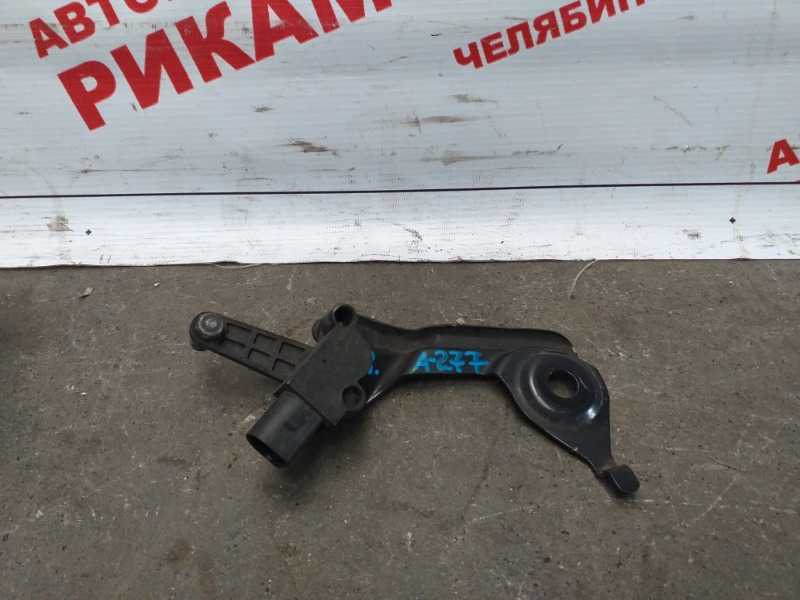Датчик уровня пола Audi A4 B8 CDNB 2011 задний