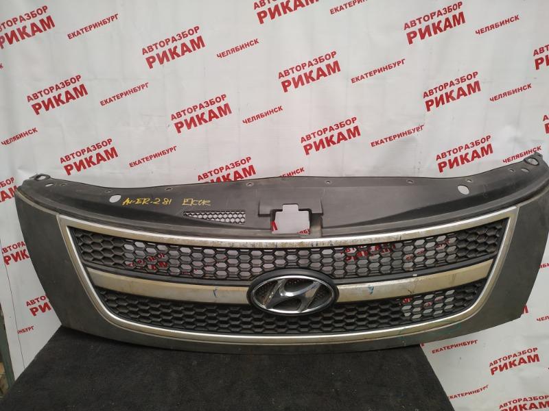 Решетка радиатора Hyundai Starex TQ D4CB 2011
